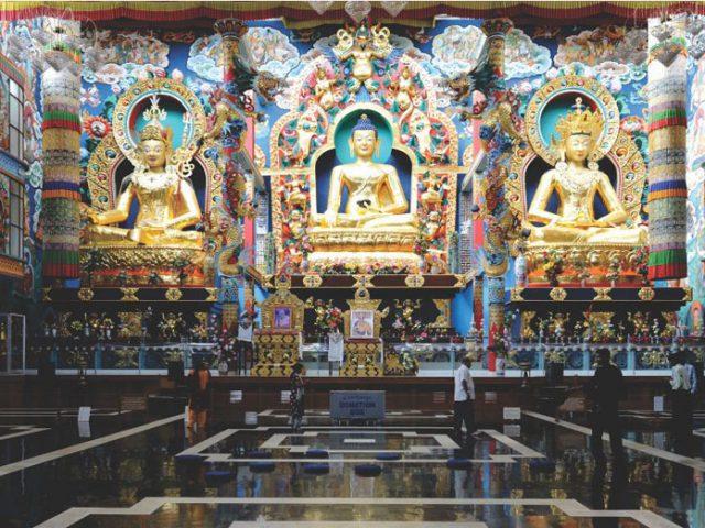 https://www.karnatakatravel.com/wp-content/uploads/2019/11/little_tibet_dubare_elephant_camp-640x480.jpg
