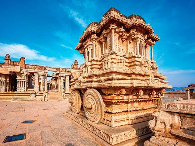 https://www.karnatakatravel.com/wp-content/uploads/2019/11/mantralaya_hampi-640x480.jpg