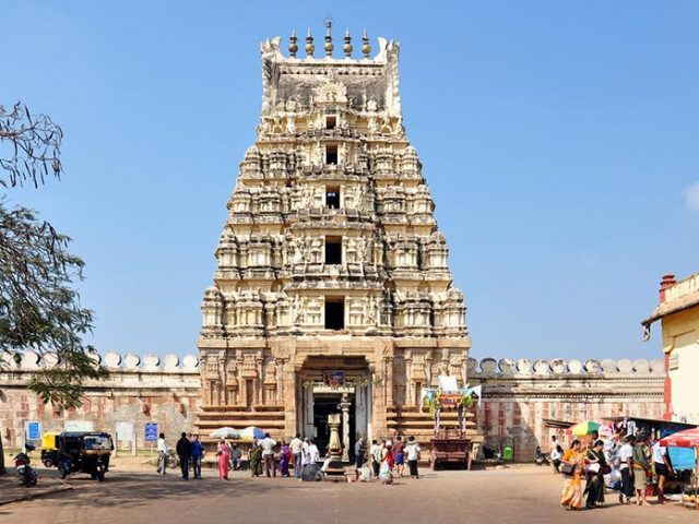 https://www.karnatakatravel.com/wp-content/uploads/2019/11/mysore_one_day-640x480.jpg