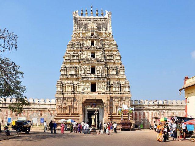 https://www.karnatakatravel.com/wp-content/uploads/2019/11/mysore_one_day-640x480.jpg